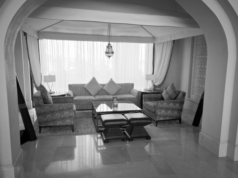5 Hotel lobby